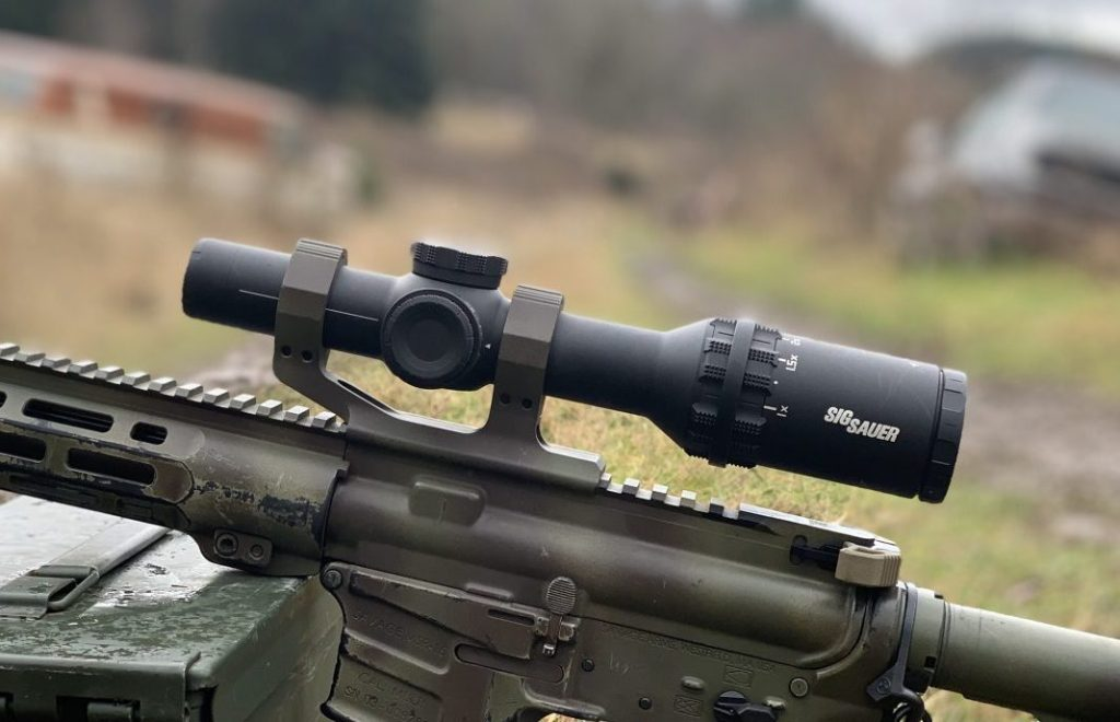 Notice the line on the front of the optic?