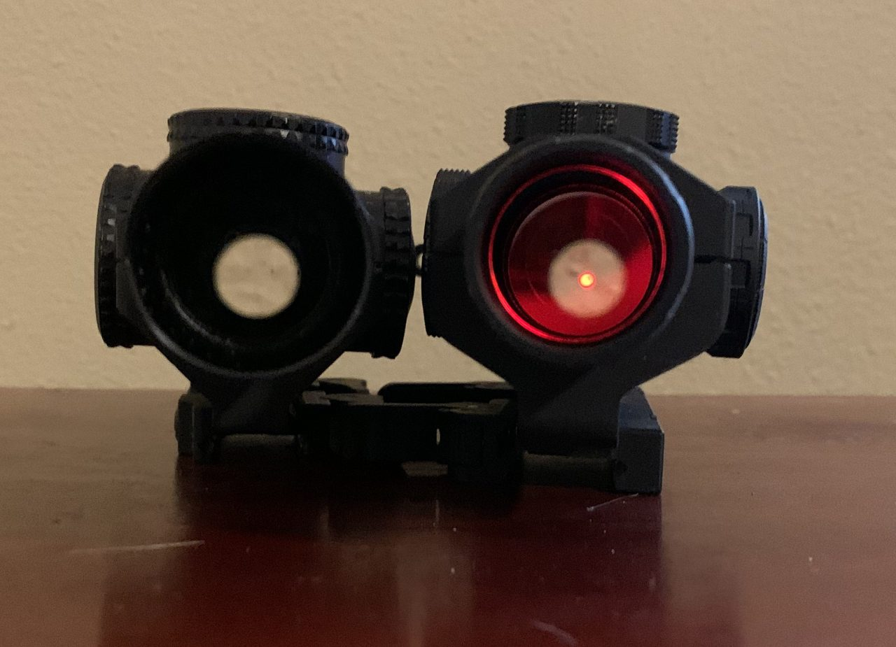 Vortex viper (left) Tango6T (right) on their second brightest setting. The viper doesn't bleed out the front