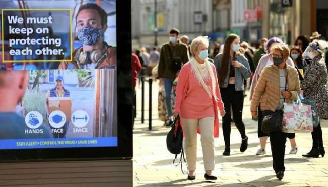 انگلینڈ کی حکومت کا کہنا ہے کہ انگلینڈ میں کورونا وائرس کی پابندیاں ختم کردی گئیں