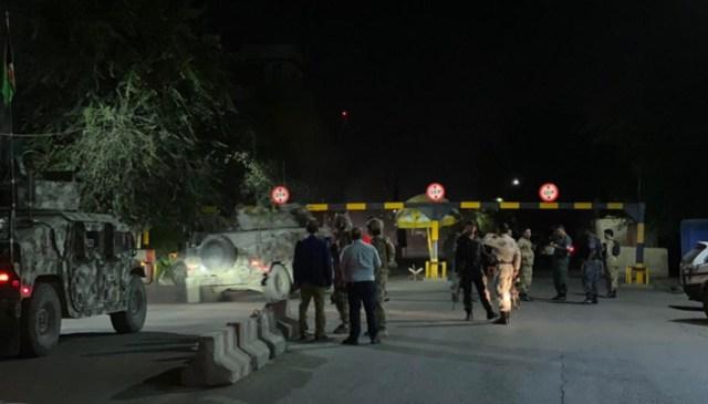 منگل کی شام ایک بڑے دھماکے کے بعد کے مناظر نے دارالحکومت کابل کو ہلا کر رکھ دیا ، جس سے آسمان میں دھوئیں کا ایک موٹا دھبہ بھیجا۔  - ٹویٹر/ٹول نیوز