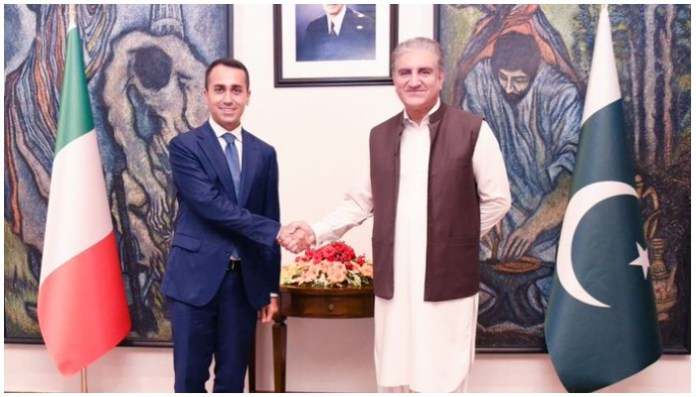 FM Qureshi expressed pleasure to welcome Italian FM Luigi Di Maio to Pakistan. Photo —Twitter/@SMQureshiPTI