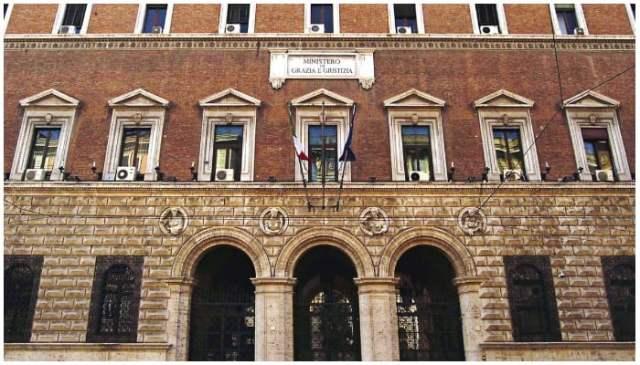 اطالوی وزارت انصاف کا مرکزی دفتر روم میں ہے۔  تصویر - فیس بک/منسٹریو ڈیلا گوسٹیزیا۔