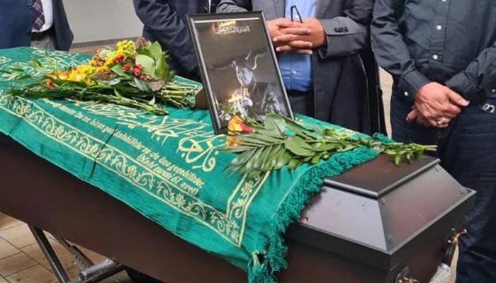 Legendary comedian Umar Sharifs body arrives in Pakistan