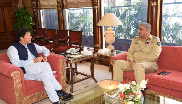 Prime Minister Imran Khan (L) and Chief of Army Staff General Qamar Javed (R) are discussing important matters during a meeting. Photo: file