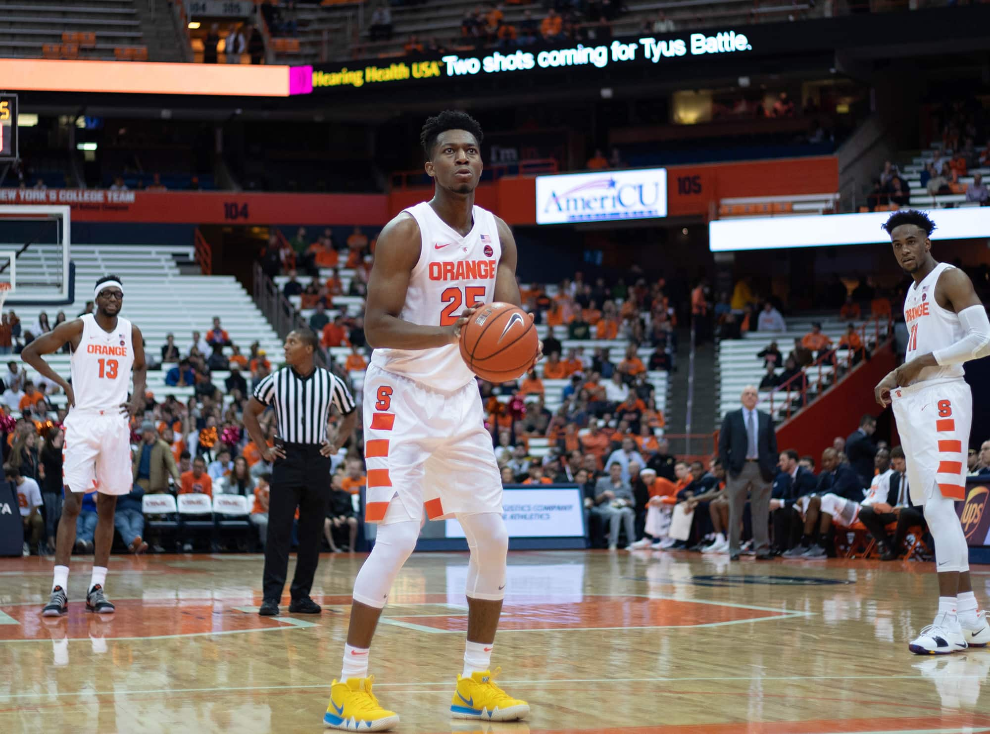 Tyus Battle prepares to shoot a free throw during Syracuse's exhibition opener against St. Rose.