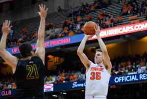 Buddy Boeheim scores 19 points in Syracuse debut on Oct. 25, 2018.