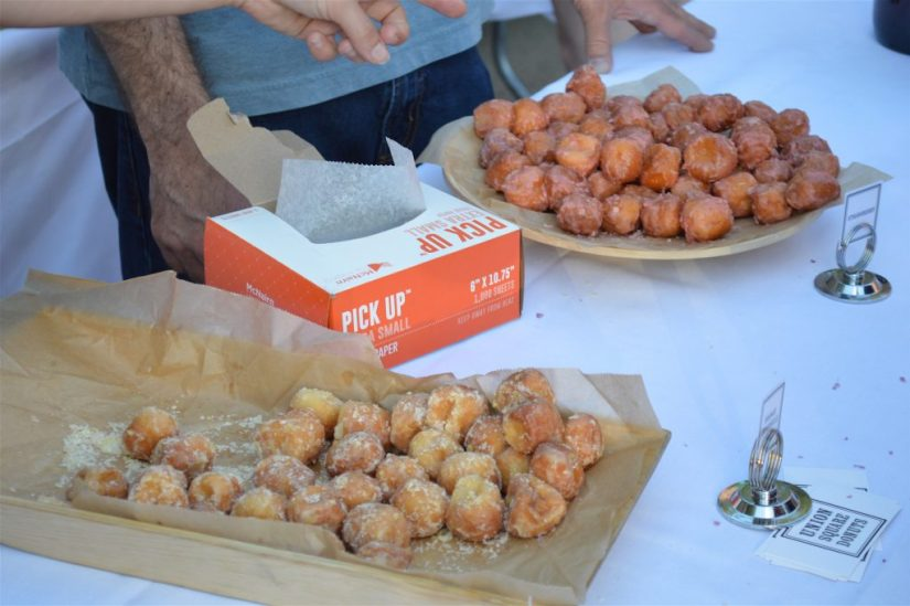 Orange Creamsicle (L) and Strawberry (R) donut holes from Union Square Donuts, Photo: © TNG