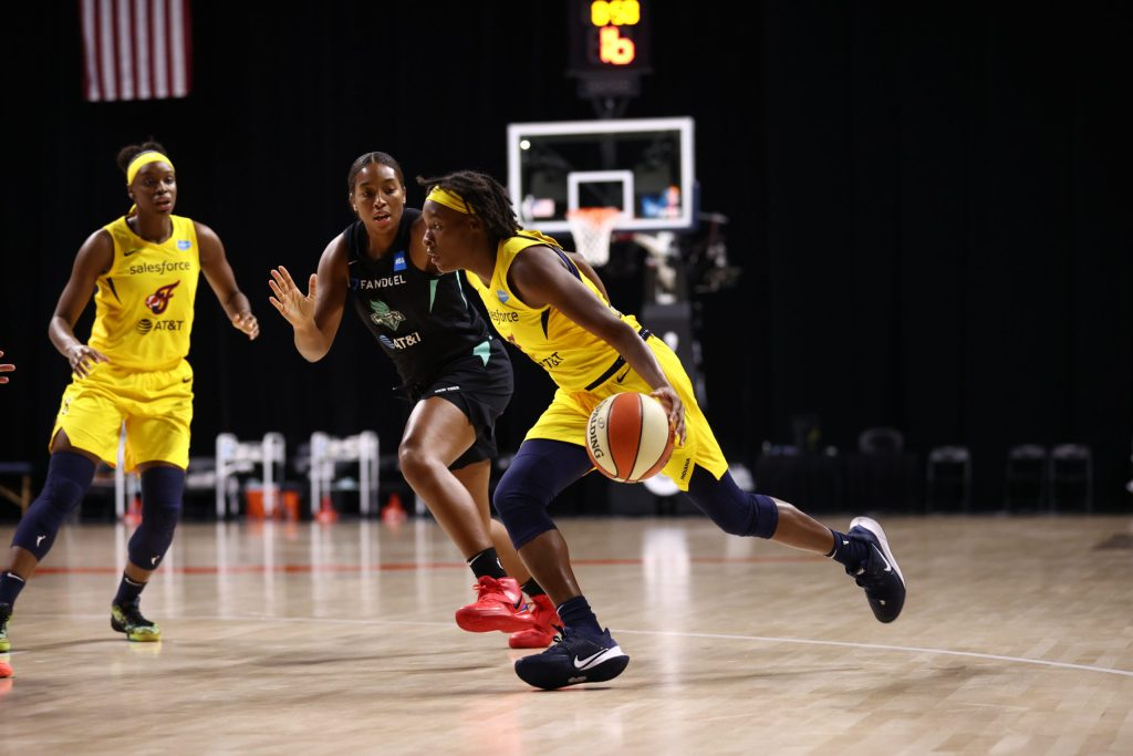 Kamiah Smalls signs training camp contract with the Connecticut Sun