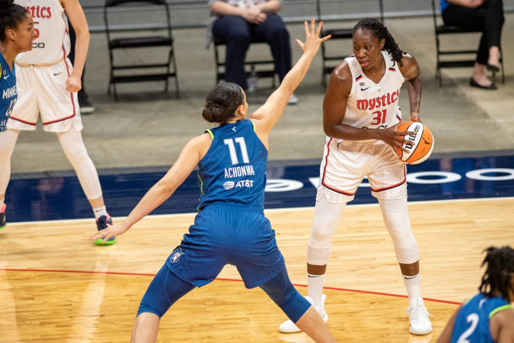 The Minnesota Lynx hardship continues after Achonwa, Powers injuries limit roster size