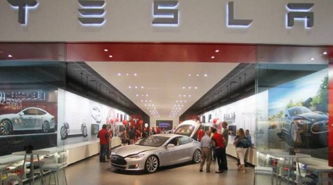 Tesla Hunts Down Locations to Set up Electric Car Showrooms in India