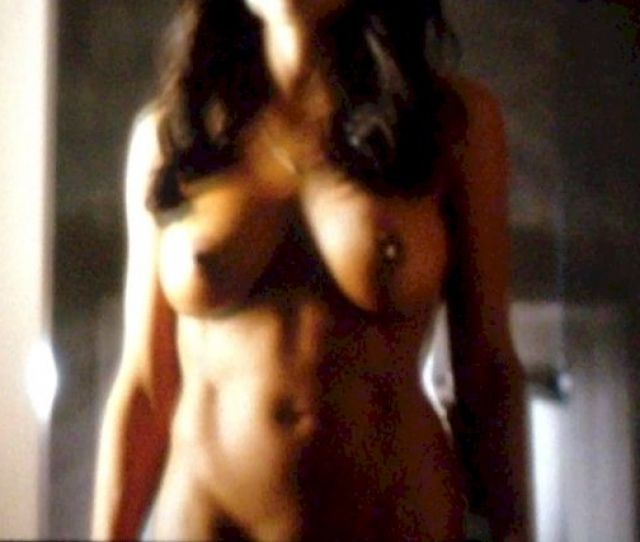 Naked Zoe Saldana In The Losers Video Clip Ancensored