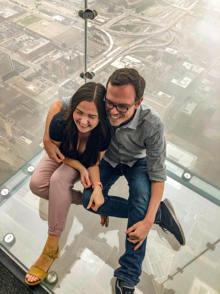 couple at skydeck ledge
