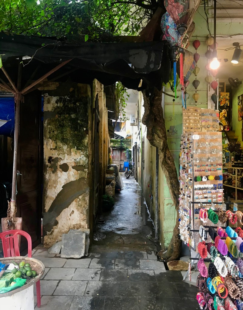 alley in old town hoi an