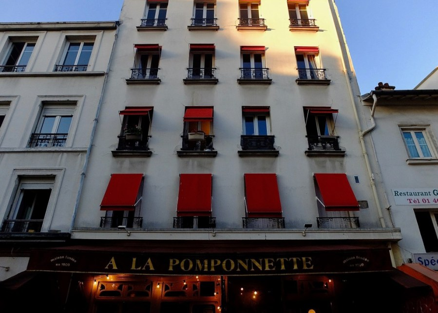 exterior of a la pomponnette