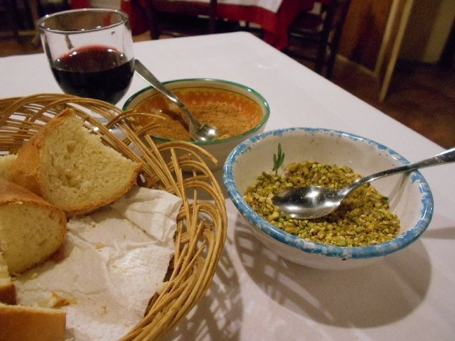 Vegan pasta toppings in Siracusa, Sicily