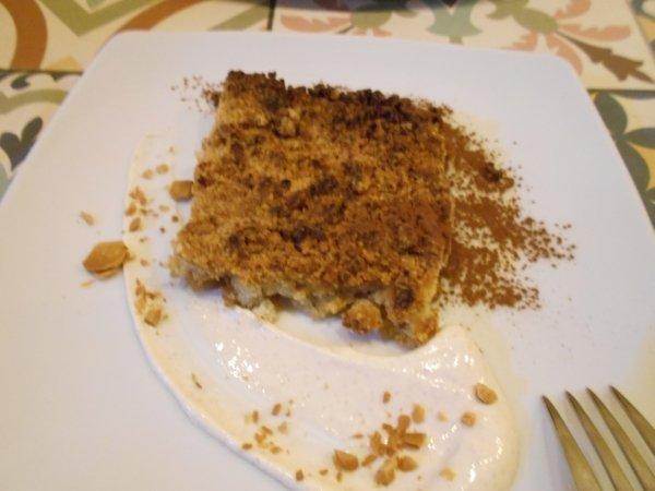 Vegan apple crumble at Vega in Madrid