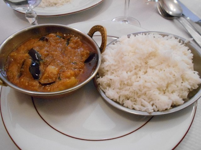 Vegan eggplant curry at Delhi Spicee, Toulouse, France