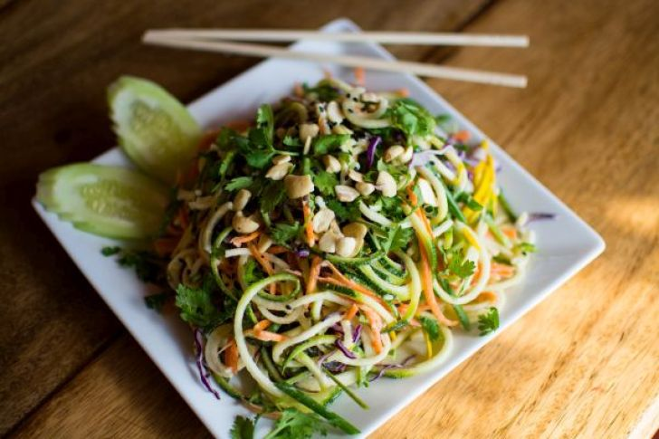 Orion Healing Centre - raw pad thai - vegan travel in Thailand