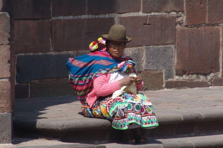 Indigenous woman in Cusco - vegan in Peru