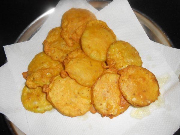 7. Pakora - vegan Indian food