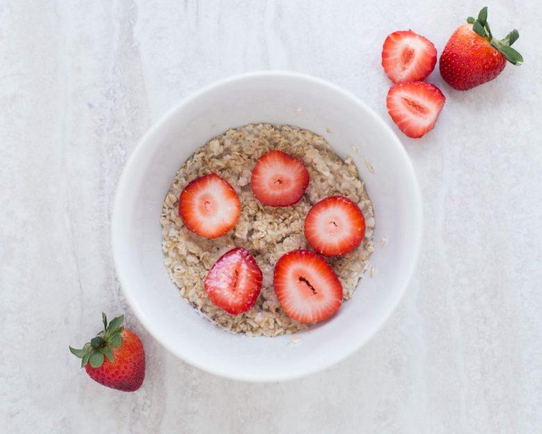 Oatmeal - vegan travel food ideas
