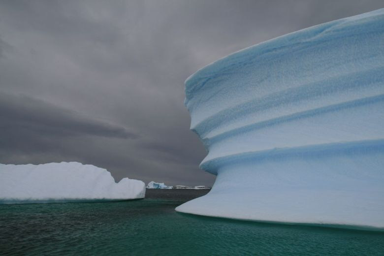 A zodiac cruise through Iceberg Alley on our Antarctica vacation