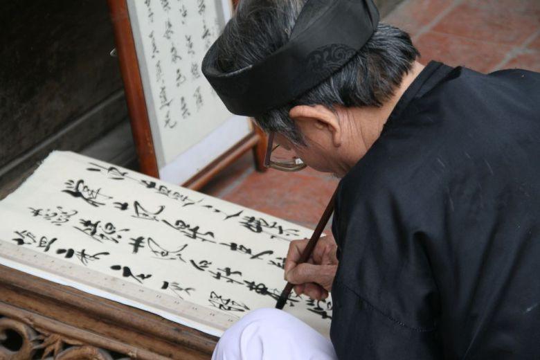 Chinese calligrapher - Hanoi, Vietnam