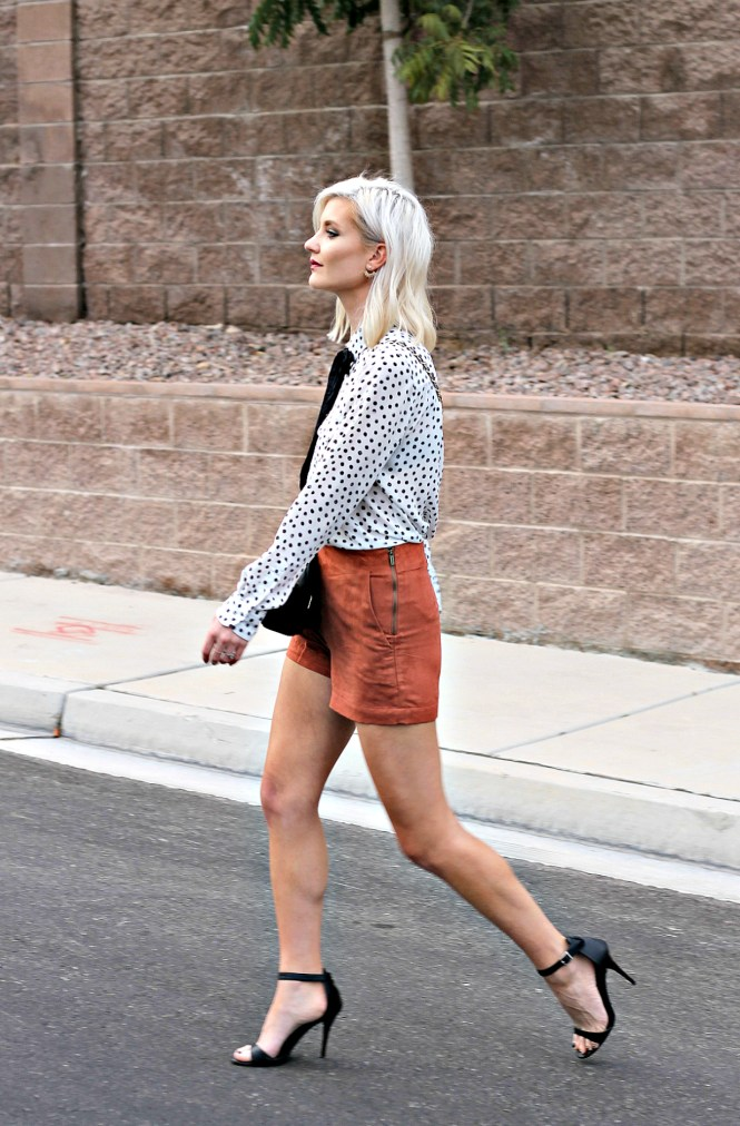suede-shorts-polka-dot-shirt-bow-blouse-studded-purse-lindsey-simon-the-nomis-niche-las-vegas-fashion-blogger-beauty-blogger-3