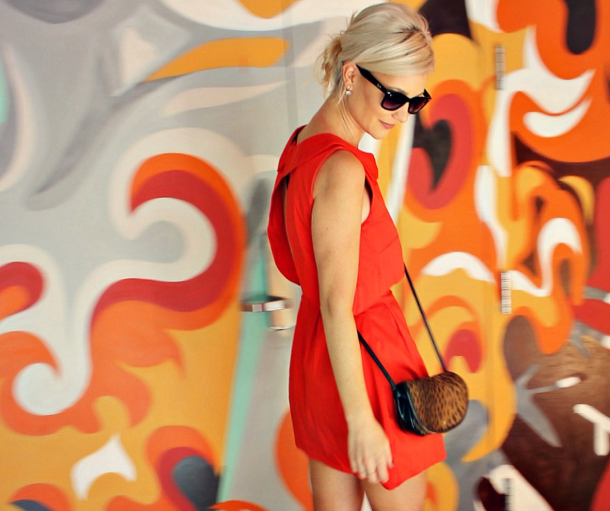 red-dress-the-linq-fall-fashion-lindsey-simon-the-nomis-niche-las-vegas-las-vegas-style-date-night-outfit-4