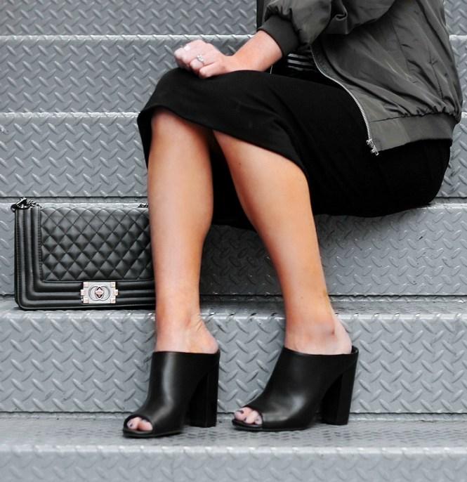 bomber-jacket-pencil-skirt-bandana-las-vegas-blogger-the-nomis-niche-lindsey-simon-7