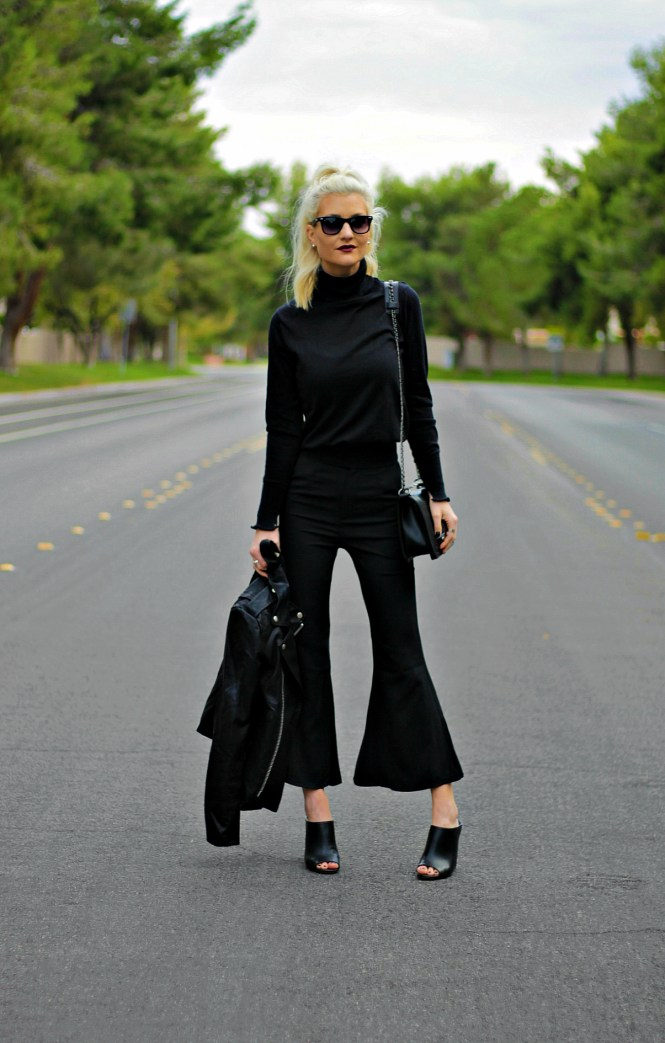 kick-flares-turtleneck-fall-fashion-mules-the-nomis-niche-lindsey-simon-las-vegas-fashion-blogger-2