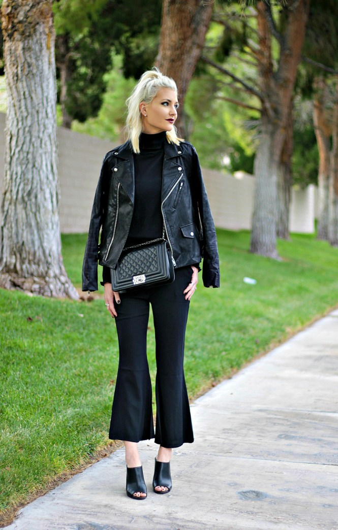 kick-flares-turtleneck-fall-fashion-mules-the-nomis-niche-lindsey-simon-las-vegas-fashion-blogger-5
