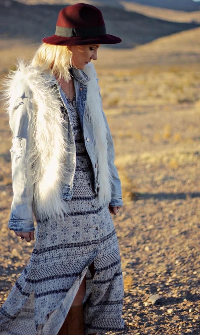 white-crow-boho-dress-las-vegas-fashion-blogger-boho-style-lindsey-simon-the-nomis-niche-duster-maxi-dress-desert-4