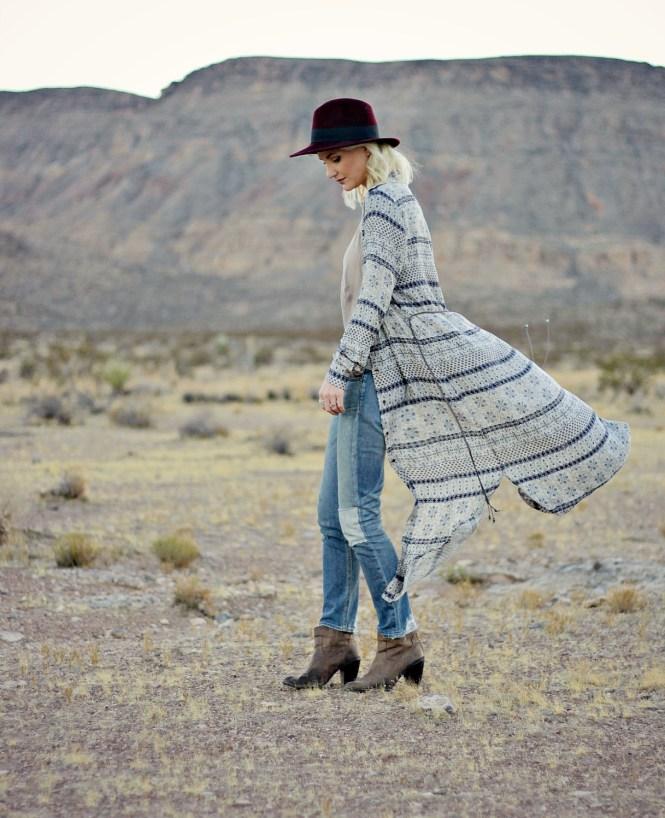 white-crow-boho-dress-las-vegas-fashion-blogger-boho-style-lindsey-simon-the-nomis-niche-duster-maxi-dress-desert-9