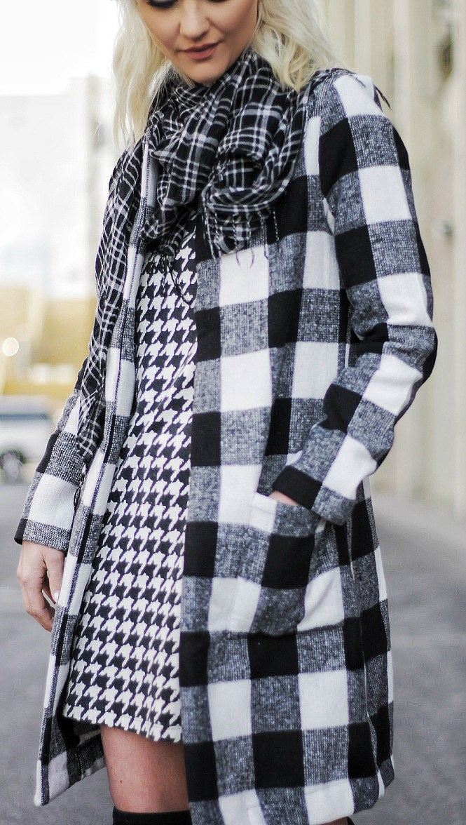 mixing prints, checkered coat, black and white, outfit, winter style, winter outfit, houndstooth, winter trends, how to mix prints, las vegas, fashion blogger