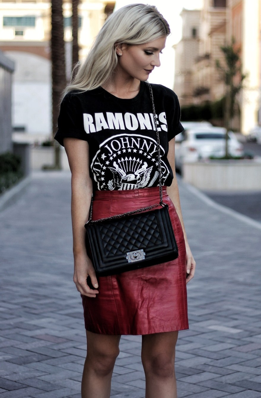 VINTAGE TEE, CONCERT TEE, RAMONES TEE, FASHION BLOGGER, STREET STYLE, STUDDED SANDALS, ISABEL MARANT, RED SKIRT, LEATHER SKIRT, HOW TO WEAR, STYLE TIPS, OUTFIT, SUMMER, STYLE, SPRING STYLE, EDGY OUTFIT, CHANEL BAG, BLOGGER, LINDSEY SIMON, THE NOMIS NICHE