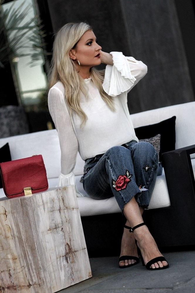 embroidered jeans, street style, bell sleeves, flute sleeves, las vegas, style, outfit, how to wear, kick flares, block heels, casual style, denim, red purse, platinum blonde, blonde hair, hair color, outfit ideas, fashion blogger