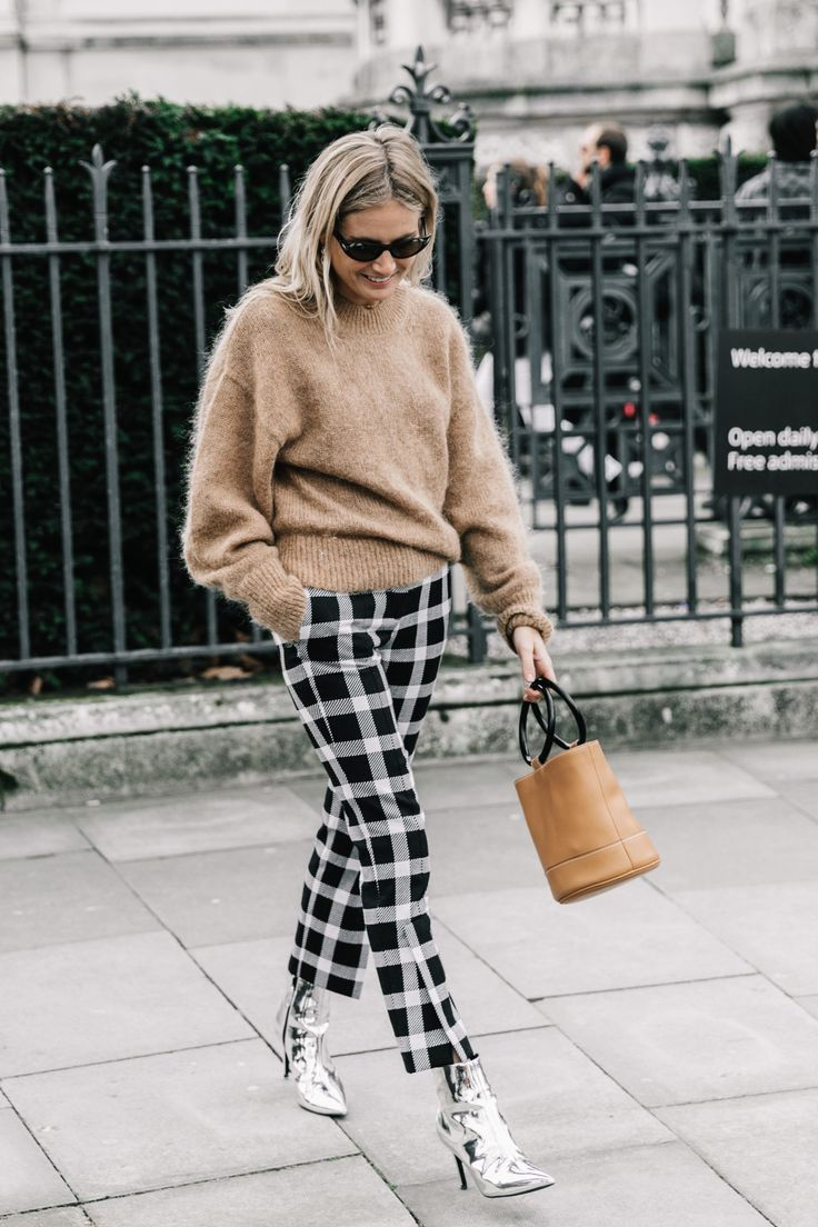 silver booties, metallic booties, fall 2017, winter 2017, fall style, fall fashion, pink coat, winter style, silver booties, street style, fashion week, outfit Inso, how to wear, plaid pants, silver booties