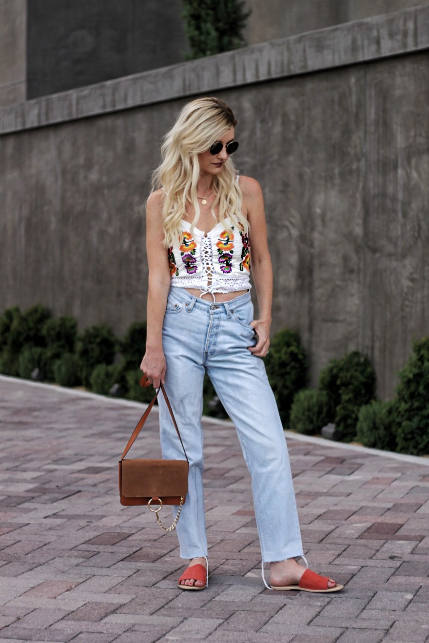 shein, embroidered, top, Levi's, Levis, Levi jeans, high waisted jeans, lace up top, circle lenses, Chloe bag, California style, summer California style, cali style, cali outfit, laid back, casual style, street style, Las Vegas, Las Vegas blogger, Vegas blogger, Lindsey Simon, the noms niche, denim, vintage, Levi's redone, Levi's vintage, summer style, casual summer outfit, how to wear, outfit ideas, outfit Inso