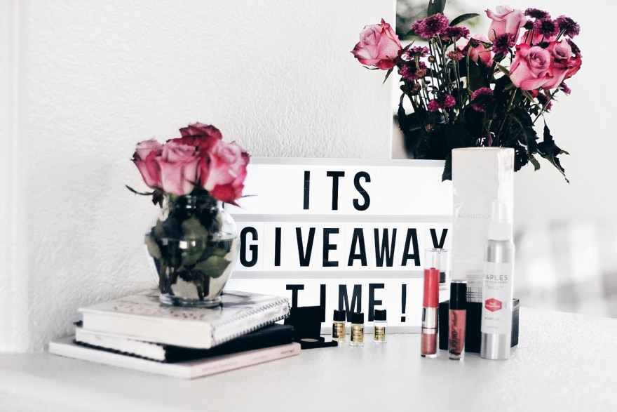 giveaway, contest, enter to win, fashion blogger, beauty blogger, beauty, makeup, skincare, skin routine, las Vegas blogger, selfie, the noms niche, lindsey simon
