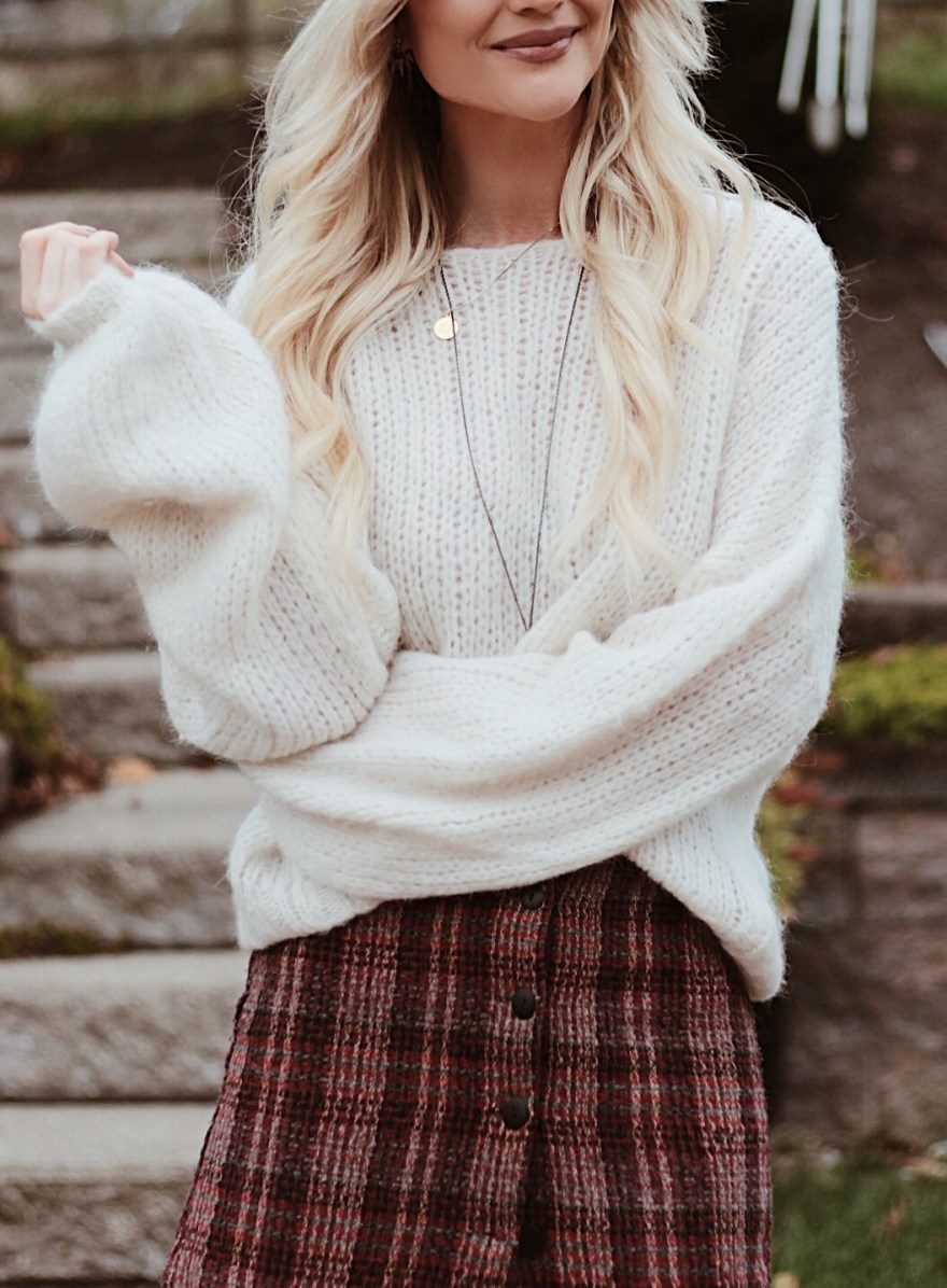 plaid skirt, plaid, plaid trend, how to wear, over the knee boots, coach, coach bag, baker boy hat, free people, slouchy sweater, fall style, fall fashion, fall outfit, trendy fall outfit, feminine fall outfit, cool fall outfit, cool girl, British, Las Vegas, fashion blogger, outfit inspiration, outfit ideas, the noms niche, Lindsey simon, ootd, fashion week, fall fashion trends, 2017 fashion