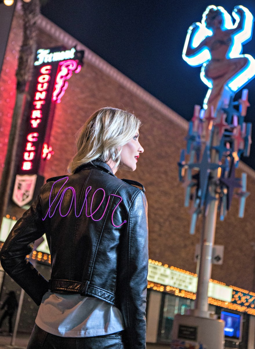 the noms niche. leather jacket, Las Vegas, style, fashion, outfit, sexy style, edgy style, leather pants, the neon muse, Lindsey Simon, Las Vegas fashion blogger, Las Vegas blogger, beauty blogger, blonde, blonde hair