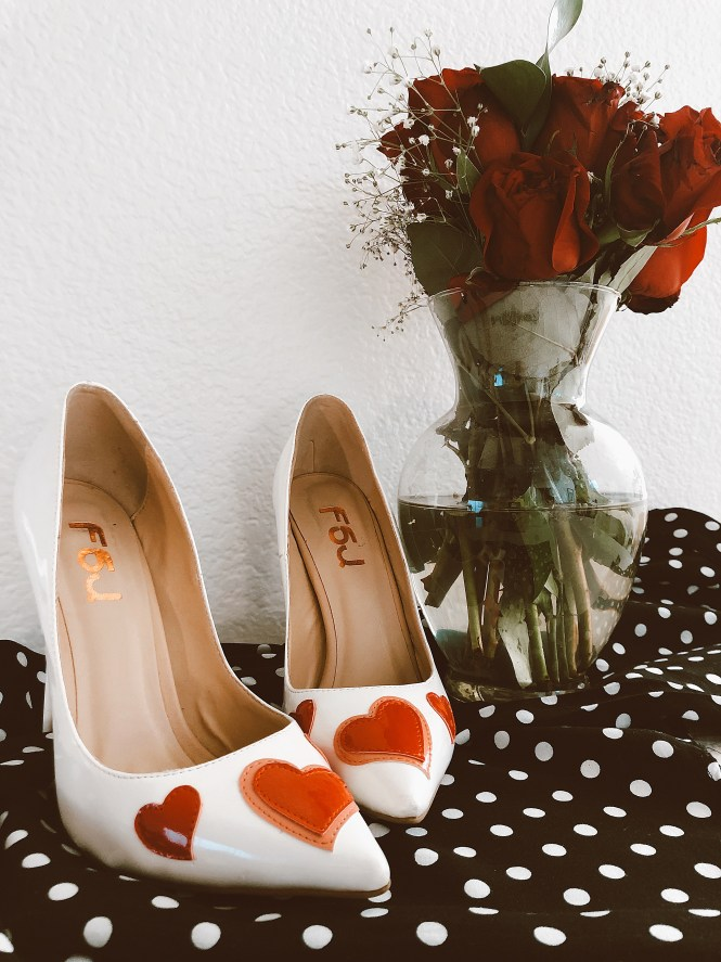 Valentine's Day, gift ideas, baby, women, shoes, heart shaped, kiss print, lips print, heart, love, red dress, jumpsuit, date night outfit, date night shoes, scrappy sandals, heart shoes, fsj shoes, under $150, budget friendly, fashion blogger, Las Vegas blogger, Vegas blogger, Lindsey Simon, The Nomis Niche