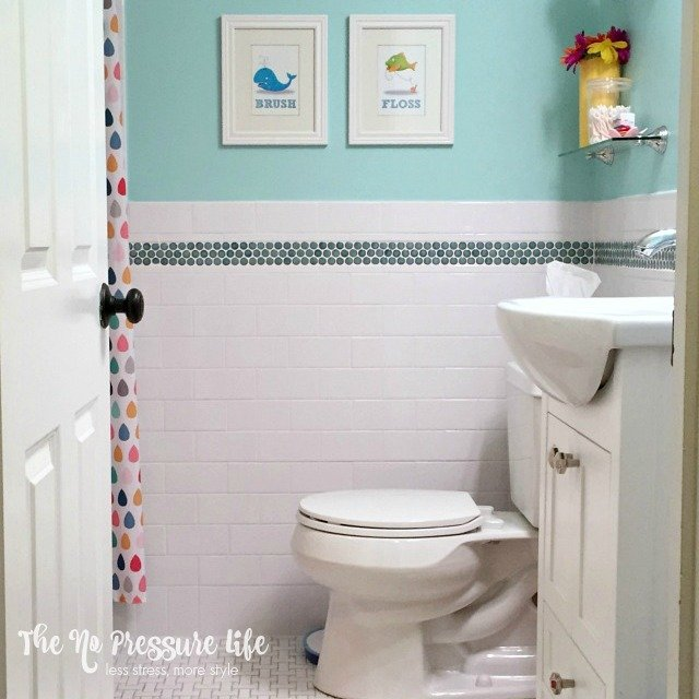 4 Practical Tricks That Will Transform Your Dreary Bathroom