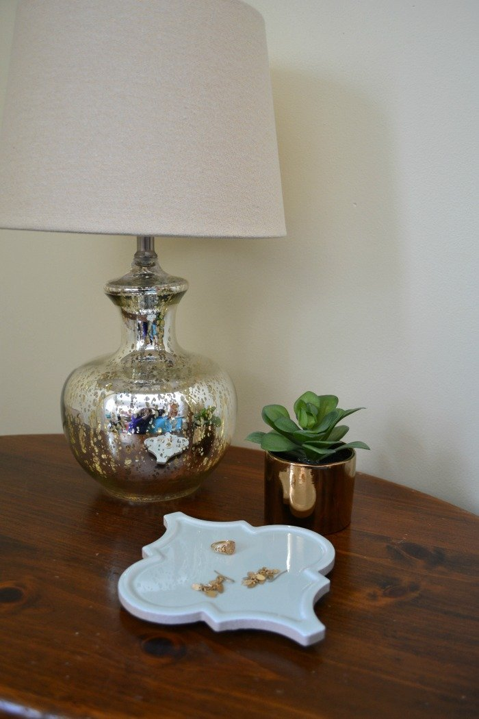 Create a catchall tray (or a coaster or trivet) using leftover tile! See more at www.thenopressurelife.com.
