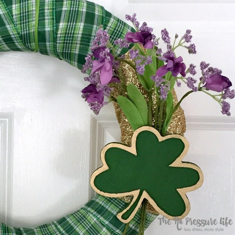 It's easy to add St. Patrick's Day decor to your door with this DIY St. Patrick's Day wreath. So simple and quick to make!   The No Pressure Life
