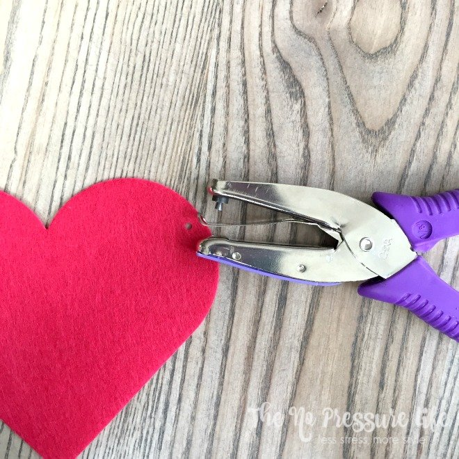 Felt Heart Garland Tutorial