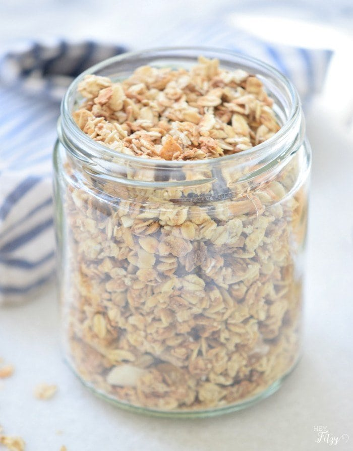 Easy crunch granola recipe via @heyfitzycom