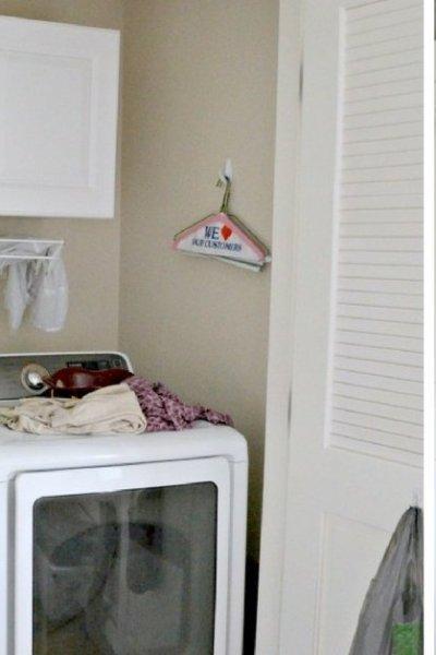 Small Laundry Closet Makeover Ideas - laundry closet organization tips and decor ideas plus free printable laundry room art PDF