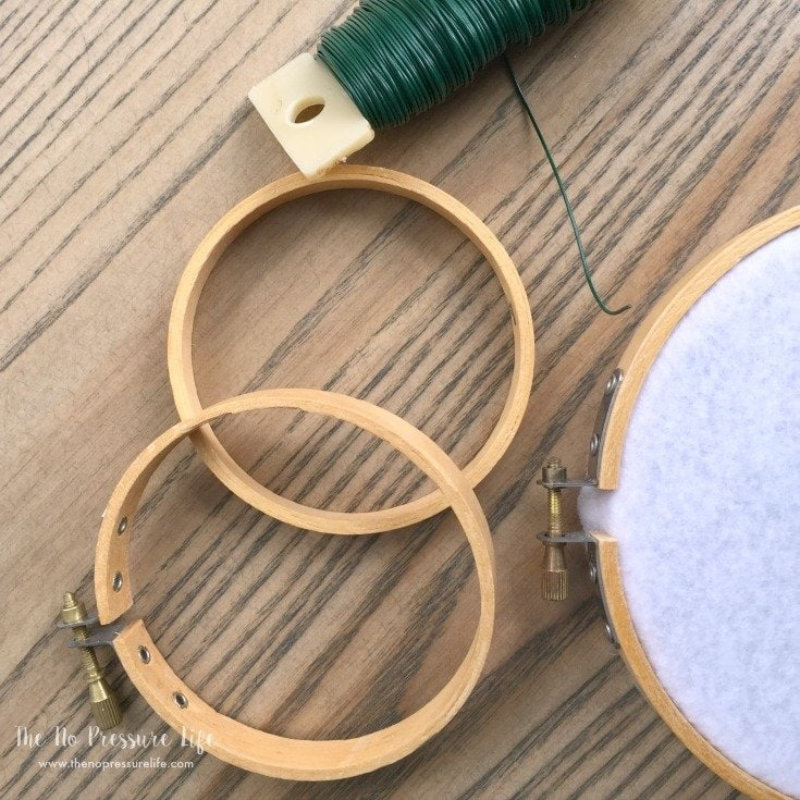 DIY Easter Bunny Wreath - connecting embroidery hoops with wire